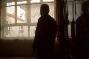 Pour avoir voulu rendre publique l'existence de plus de 300 cas de cancer dans le village en 2005, il a été condamné à dix jours de camp de travail. Son ami Wang Dehua a, lui, été condamné comme récidiviste à huit ans de travaux forcés pour « grave atteinte au gouvernement national ».  Sa femme a été placée en garde à vue pendant toute la durée de notre séjour.
